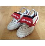 รองเท้าฟุตบอลสตั๊ด Mizuno Japan